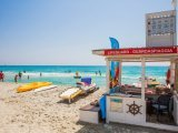 Lifeguards am Strand Simius, 26 km. entfernt